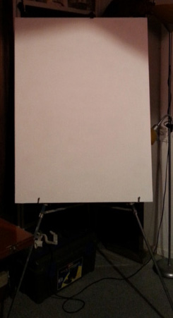 primed-canvas-on-easel